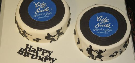 City of Sails 30th Birthday Hop Cakes